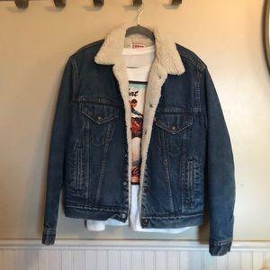 Vintage Levi's men's denim and Sherpa jacket